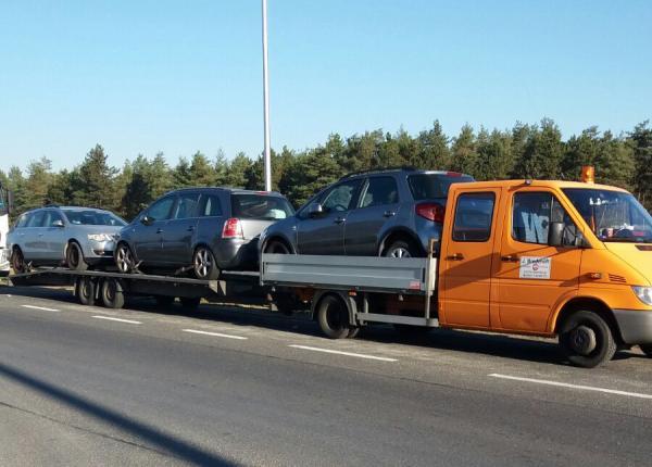 Transport auto pe platforma Italia Romania suzuki, opel zafira si vw passat